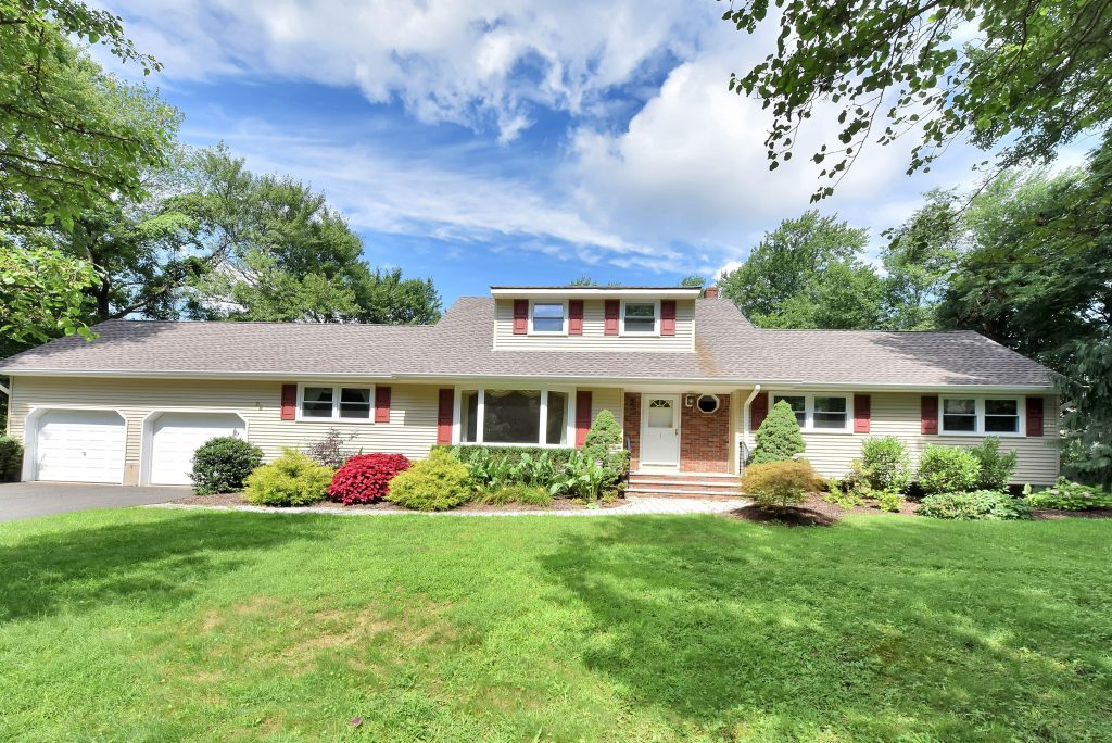 22 Thomas Court Woodcliff Lake NJ on a Bucolic Country Cul-de-Sac