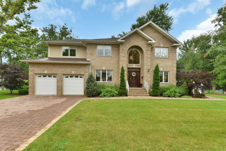 59 Lilac Lane Paramus, NJ 07652
